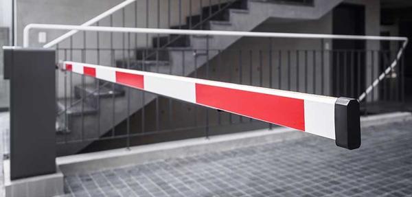 راهبند، یکی از متداولترین جداکنندهها جهت کنترل تردد خودروها