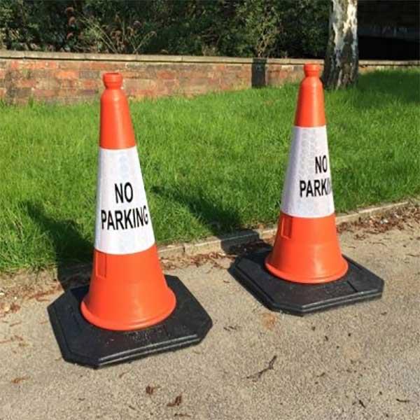 مخروط ایمنی، یکی از پرکاربردترین جداکنندههای ترافیکی
