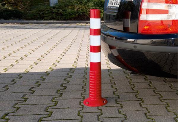 استوانه ایمنی، یکی از انواع تقسیمکنندههای ترافیکی
