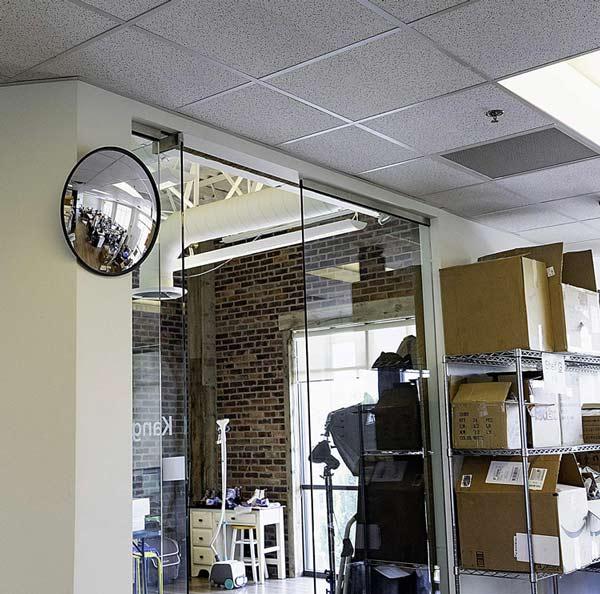 آینهی محدب اکریلیک قابل نصب در کلیه انبارها