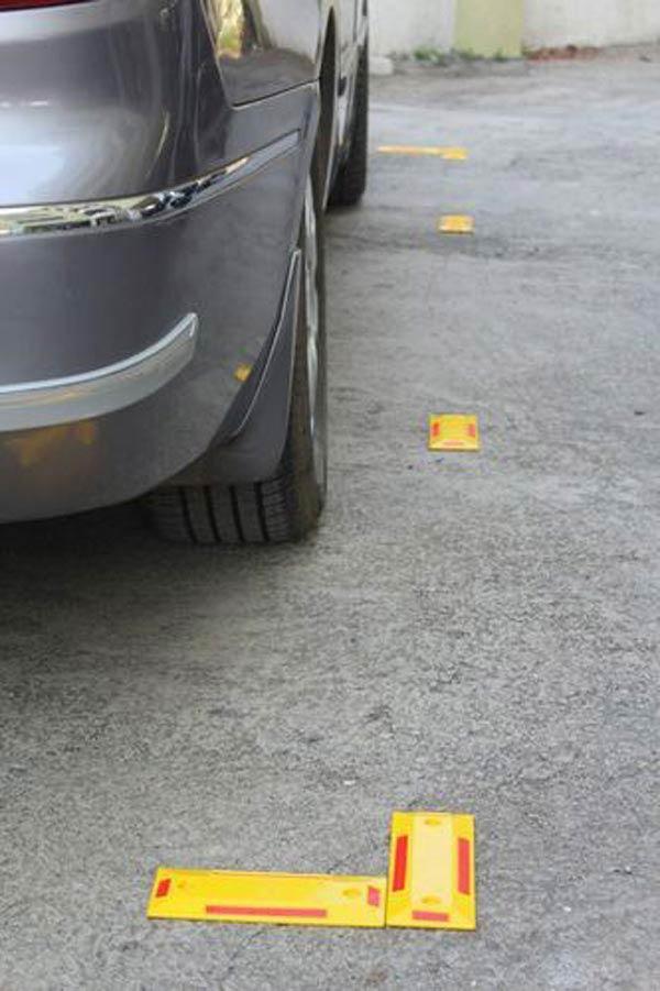 گلمیخ، جايگزين خطکشیهای طولي، جهت مشخص نمودن حریم پارک خودروها