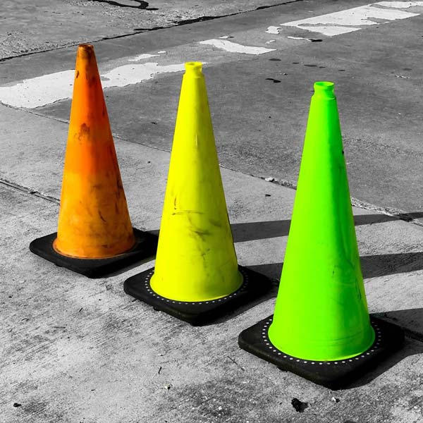 مخروط ترافیکی لاستیکی به رنگهای متفاوت