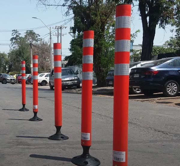 استوانه ترافیکی دارای پایههای بسیار محکم و مقاوم نسبت به برخورد ضربه است.
