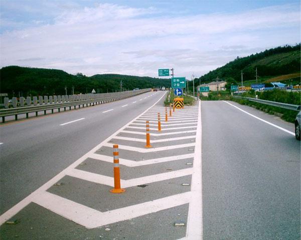 تعیین حریم راه و محدوده مجاز حرکت خودروها